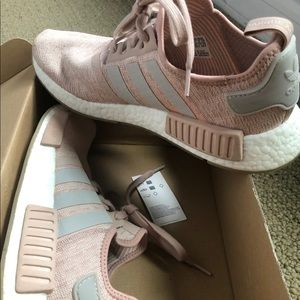 Adidas NMD R1 Chalk Pearl Woman Sneakers